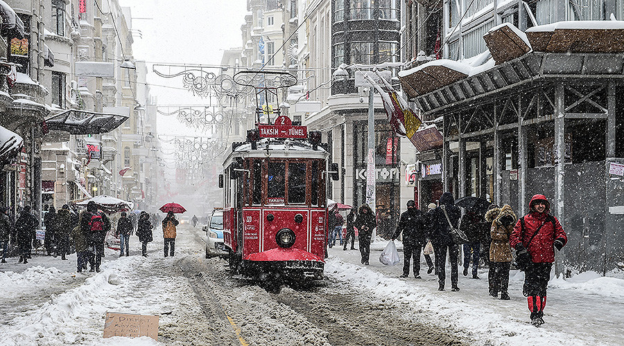 From Istanbul to Moscow, cold snap wreaks havoc across Europe (PHOTOS)