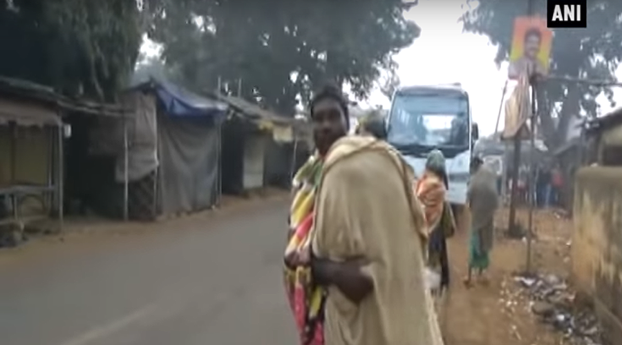 Indian father forced to carry daughter's remains on back for over 10km (VIDEO)