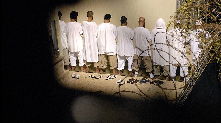 US sends 10 Guantanamo Bay detainees to Oman