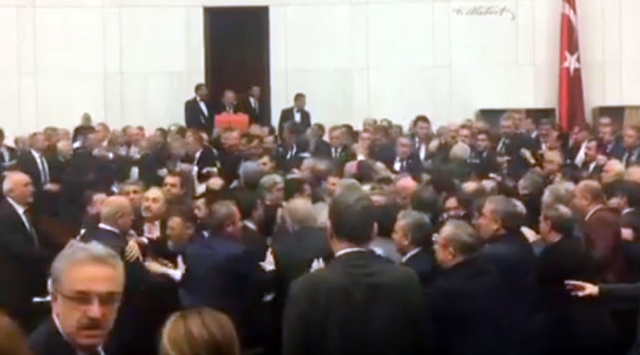 Mass brawl erupts in Turkish parliament after MP protest (VIDEO)