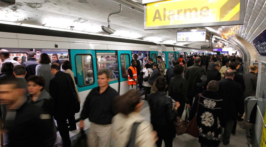 Alert in Paris as knifeman targets metro riders at random