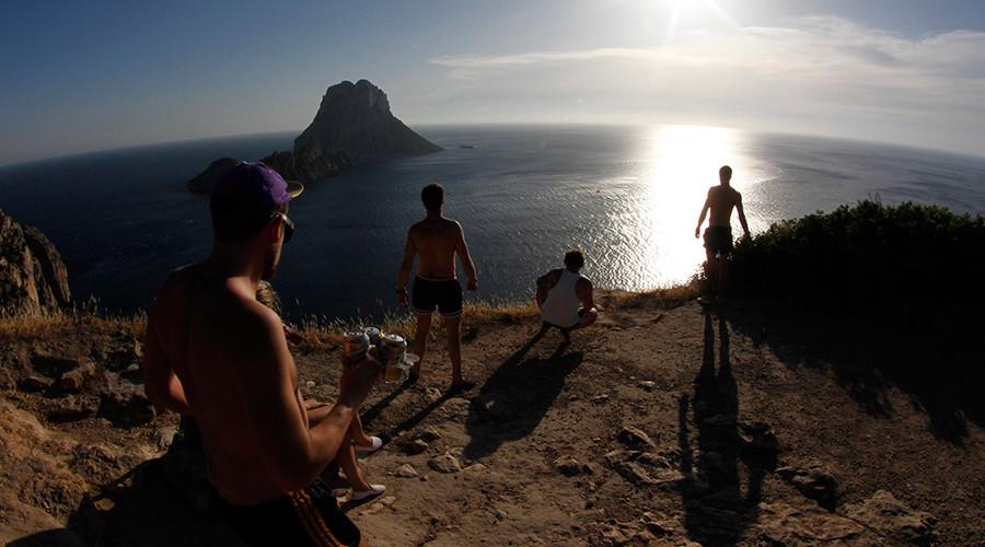 Spain focuses on lucrative gay tourism market