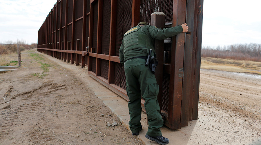 Head of US Border Patrol forced out as Trump seeks to build wall & add agents