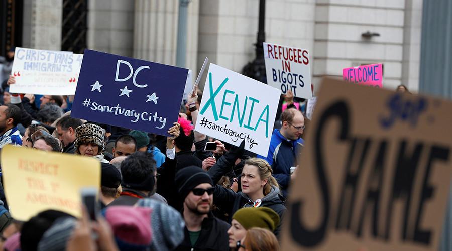 More US judges rule to restrict Trump 'Muslim ban' travel order