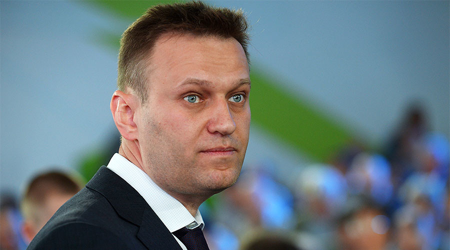 Court orders Navalny to be forcefully brought to corruption case hearings