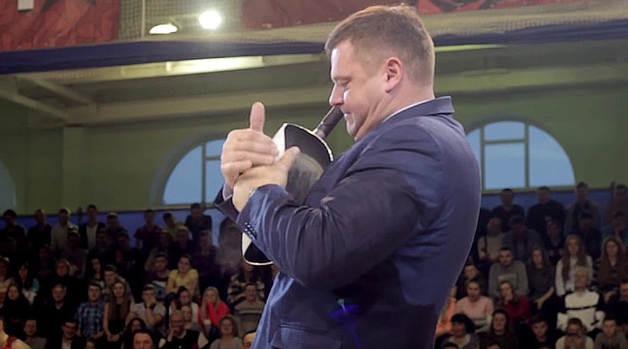 russian bare hand ball