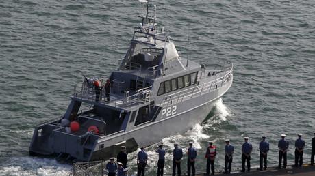 The British Royal Navy amphibious assault ship © Darrin Zammit Lupi
