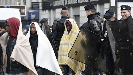 Police stealing migrants' blankets in below-freezing Paris – MSF