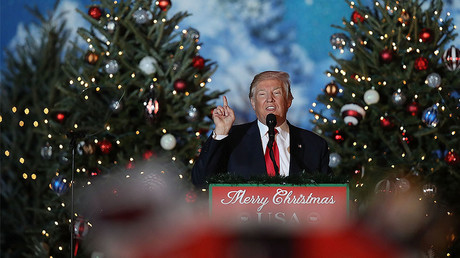 President-elect Donald Trump speaks during a stop on his 'USA Thank You Tour 2016.' at the Orlando Amphitheater at the Central Florida Fairgrounds on December 16, 2016 in Orlando, Florida. © Joe Raedle / Getty Images
