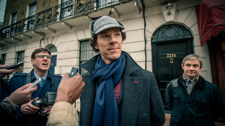 Martin Freeman and Benedict Cumberbatch in Sherlock  (2010) © Robert Viglasky Photography / imdb.com