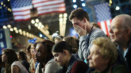 Supporters of Democratic U.S. presidential nominee Hillary Clinton watch state by state returns at her election night rally in New York, U.S., November 8, 2016. © Carlos Barria