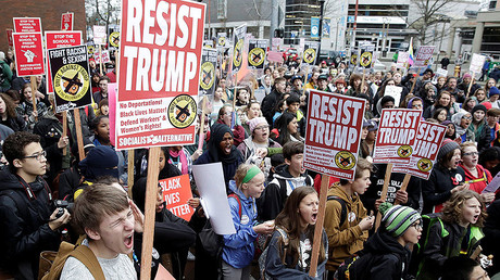 Students hold a walk-out and rally in protest to U.S. President Donald Trump's inauguration in Seattle, Washington, U.S. January 20, 2017. © Jason Redmond