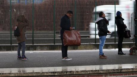 Train derailment leaves Londoners facing chaotic commute