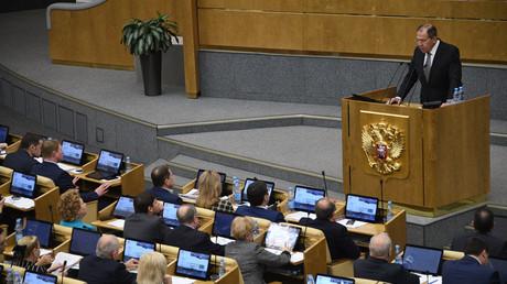 Foreign Minister Sergei Lavrov speaks at a State Duma plenary meeting.© Vladimir Fedorenko