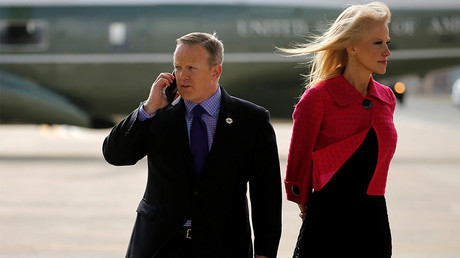 White House spokesman Sean Spicer (L) and senior advisor Kellyanne Conway (R) wait for U.S. President Donald Trump to arrive to board Air Force One for travel to Philadelphia from Joint Base Andrews, Maryland, U.S. January 26, 2017 © Jonathan Ernst