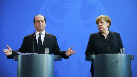 German Chancellor Angela Merkel and French President Francois Hollande address the media at the Chancellery in Berlin, Germany January 27, 2017. © Axel Schmidt