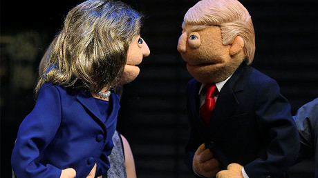 Puppets in the likeness of Democratic presidential nominee Hillary Clinton (L) and Republican presidential nominee Donald Trump (R) © Carlo Allegri