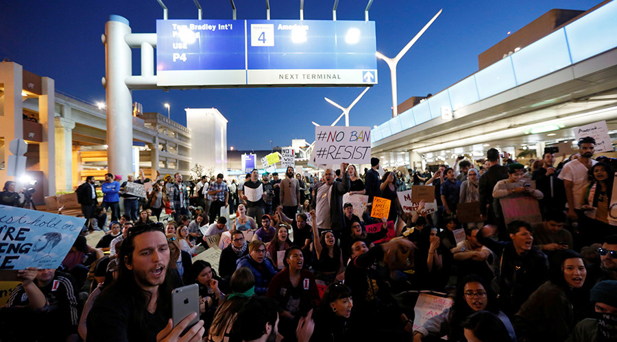 US appeals court denies Trump administration's request to reinstate travel ban