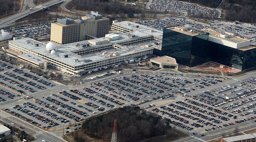 Federal prosecutors seek to indict '2nd Snowden' this week