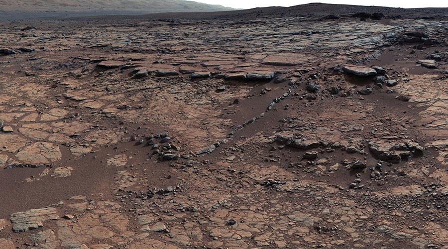 Martian volcano erupted continuously for 2 billion years