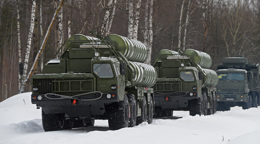 S-400 air defense systems mobilized near Moscow in snap exercise