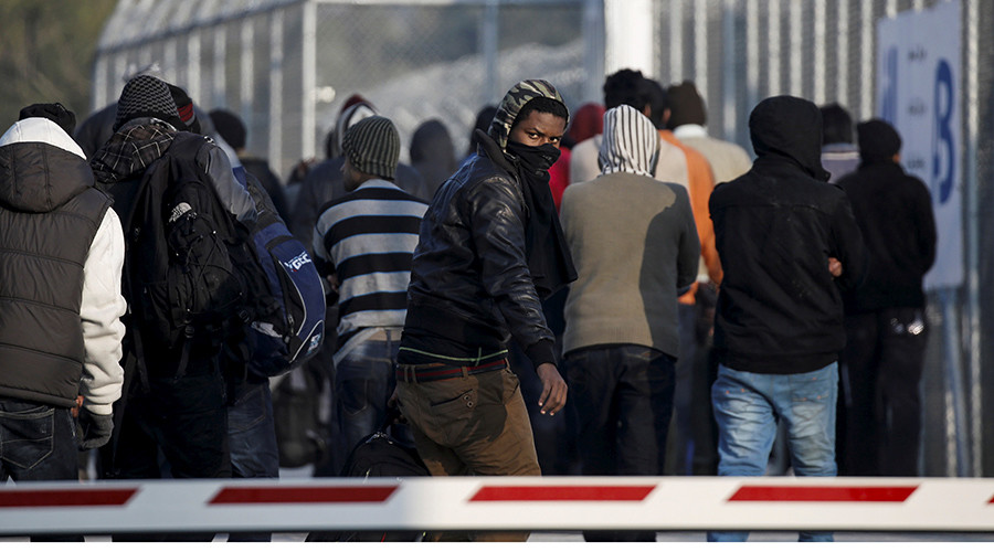 EU resettled some 15,000 refugees out of a planned 160,000