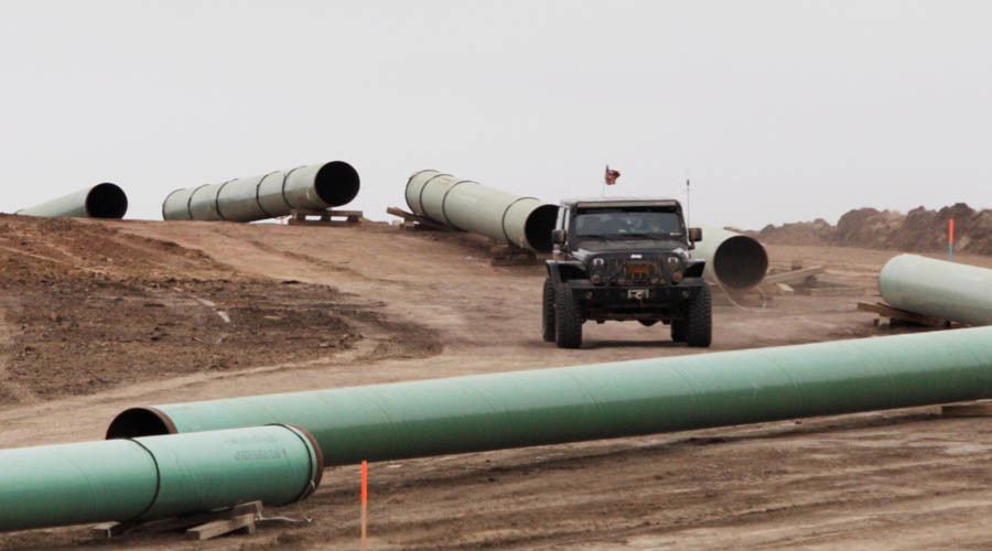 Sioux tribe files legal challenge after Dakota Access Pipeline construction resumes
