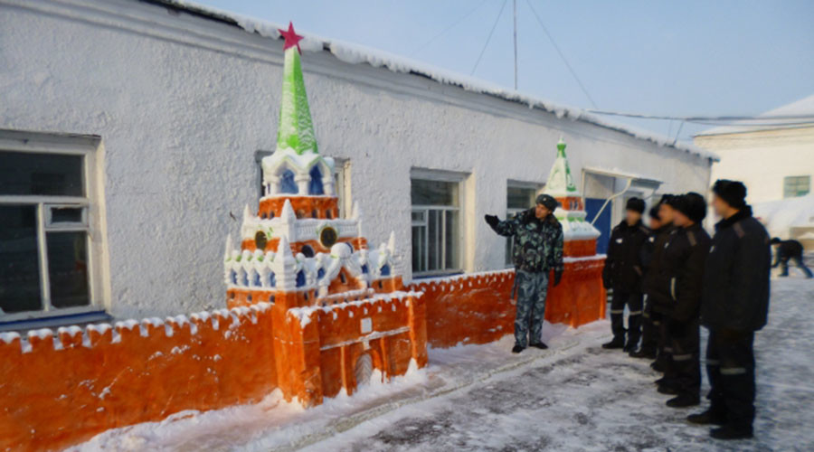 Amazing snow sculptures straight from Russian prison (PHOTOS)