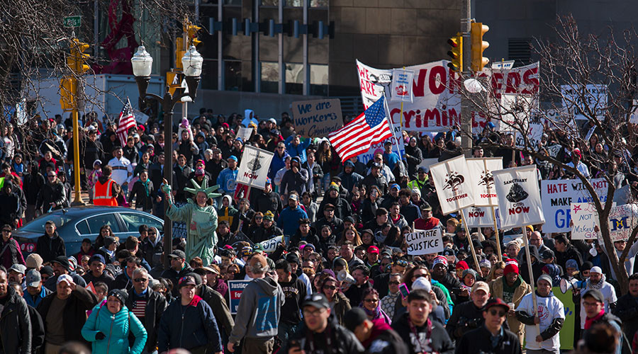 Thousands protest in Milwaukee over fears of immigration crackdown (PHOTOS, VIDEOS)