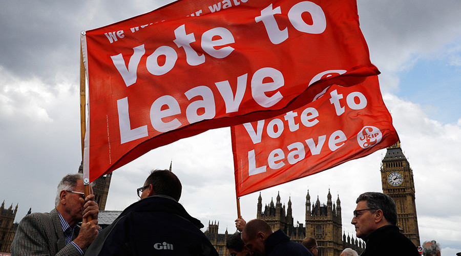 Pro-Brexit voters suspicious of all experts – even weather forecasters, poll finds