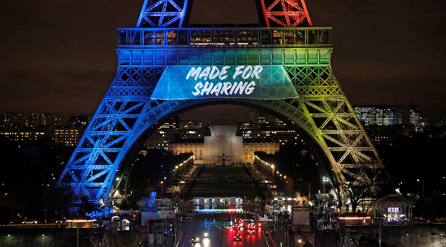 English slogan for Paris Olympic bid enrages French language groups