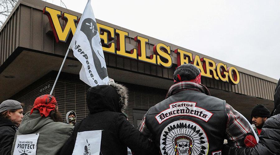 Multi-billion dollar investors urge bankers to divest from #DAPL