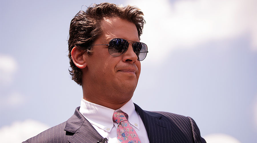 Milo Yiannopoulos quits Breitbart and apologises for remarks
