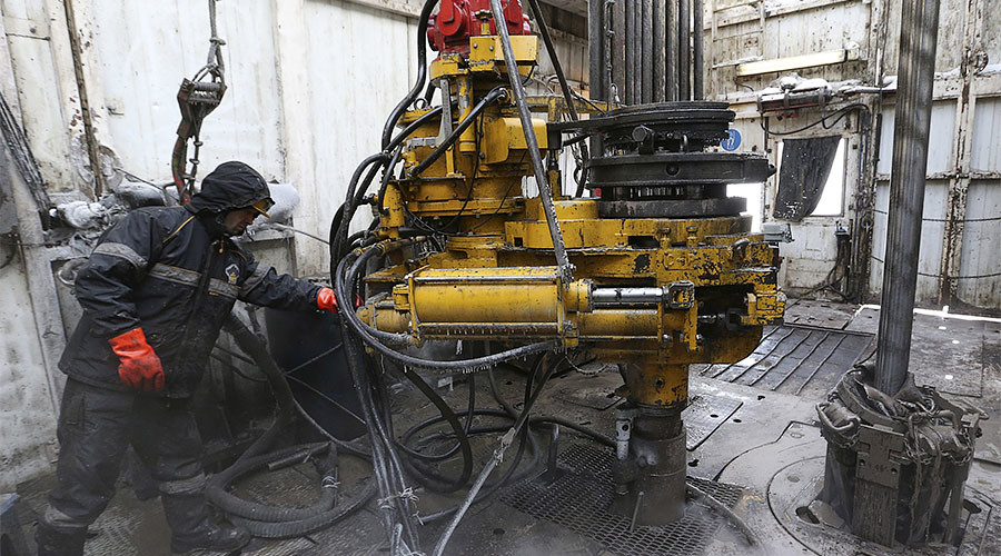 Russia overtakes Saudi Arabia as world's top crude producer