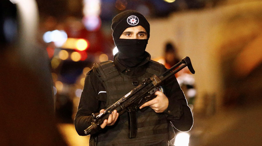5 people injured in Istanbul cafe shooting – report