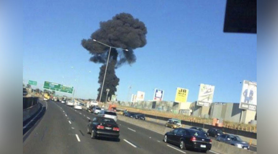 5 killed as plane smashes into Melbourne shopping mall – Victoria police (VIDEO)
