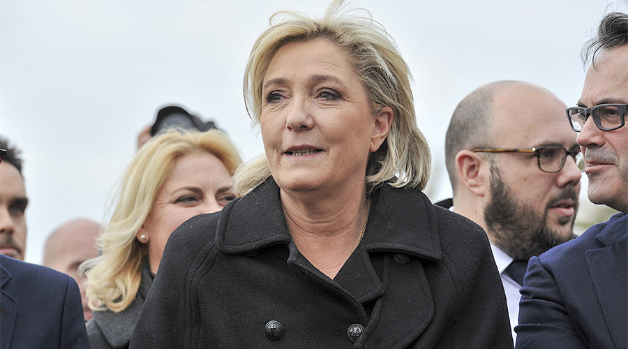 Le Pen walks out of Beirut meeting in headscarf 'stunt'