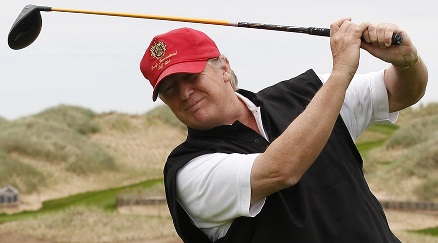 Trump interrupts CEOs' meeting to regale them with 'hole in 1' golf story (VIDEO)