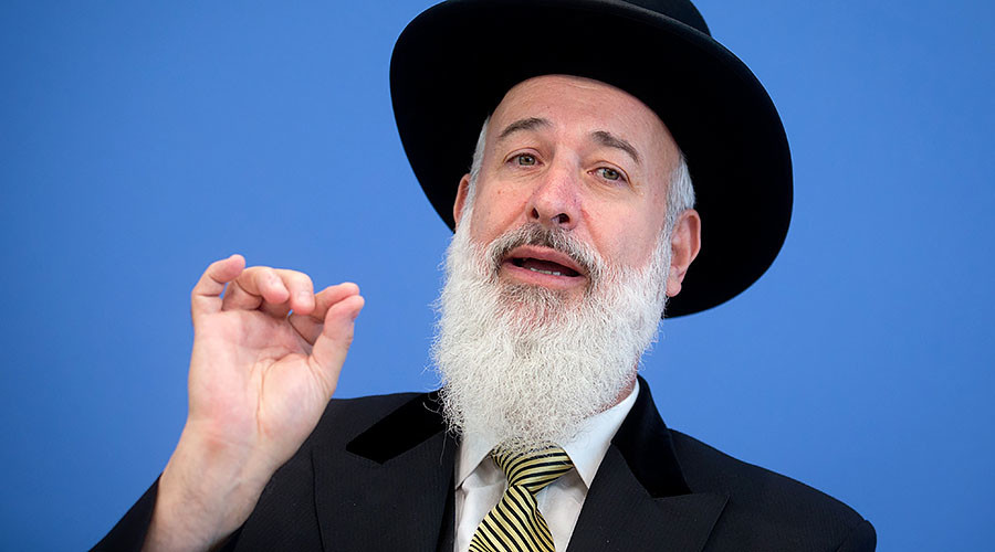 Former chief rabbi to serve 4.5yrs in prison over long string of financial crimes