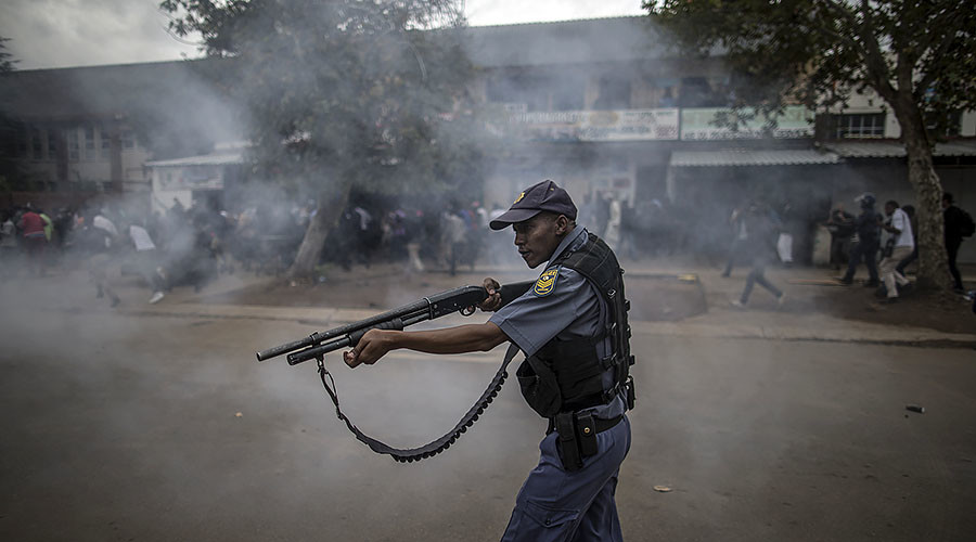 Violence erupts in South Africa as police clash with anti-immigrant demonstrators (PHOTOS, VIDEOS)