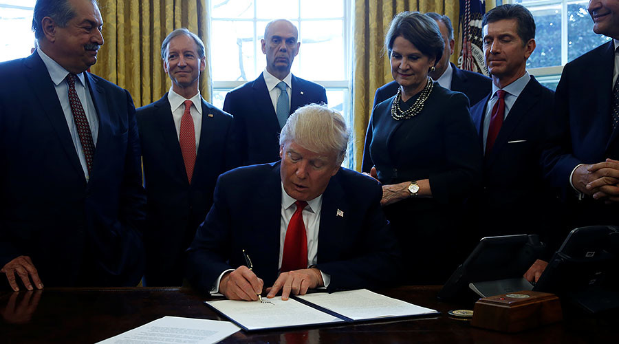 Trump Signs Another Order Targeting Government Regulations
