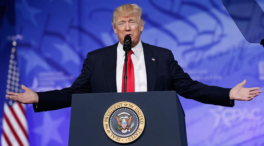Social media stirred up by Trump's snub of White House Correspondents' dinner
