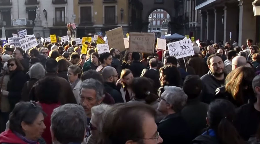 30 Spanish cities march in solidarity with refugees, against 'Fortress Europe' (VIDEO)