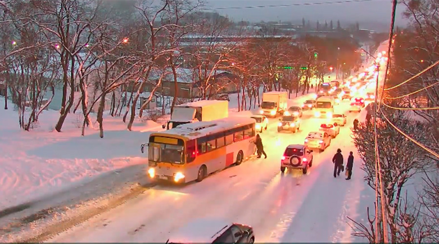 Ice, speed & horror: How Vladivostok, Russia, takes winter driving to a whole new level (VIDEOS)