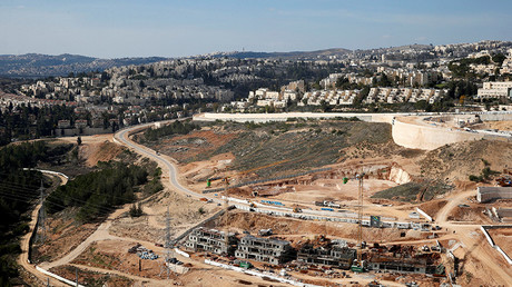A general view shows the Israeli settlement of Ramot in an area of the occupied West Bank that Israel annexed to Jerusalem January 22, 2017. © Ronen Zvulun