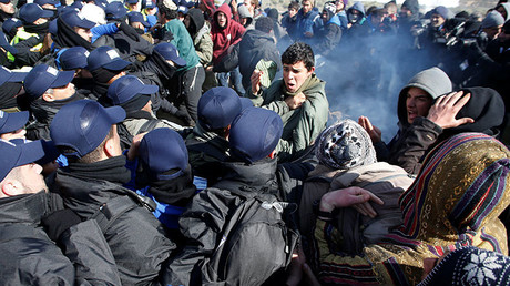 Israeli settlers protest eviction, clash with police