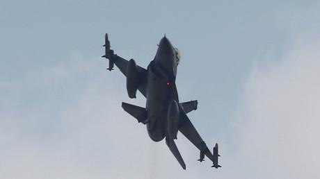 A Turkish F-16 fighter jet © Murad Sezer