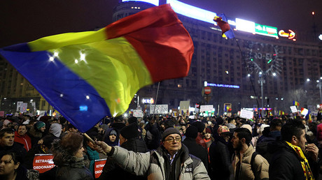 Protests in Romania force govt to scrap corruption decree