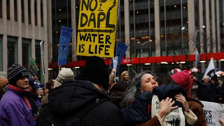 Demonstrators protest against the Dakota Access Pipeline, outside the Mizuho Bank in New York, U.S., February 1, 2017. © Lucas Jackson