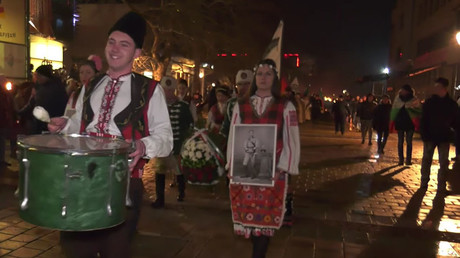 Bulgarians hold massive torchlit march for anti-Ottoman national hero